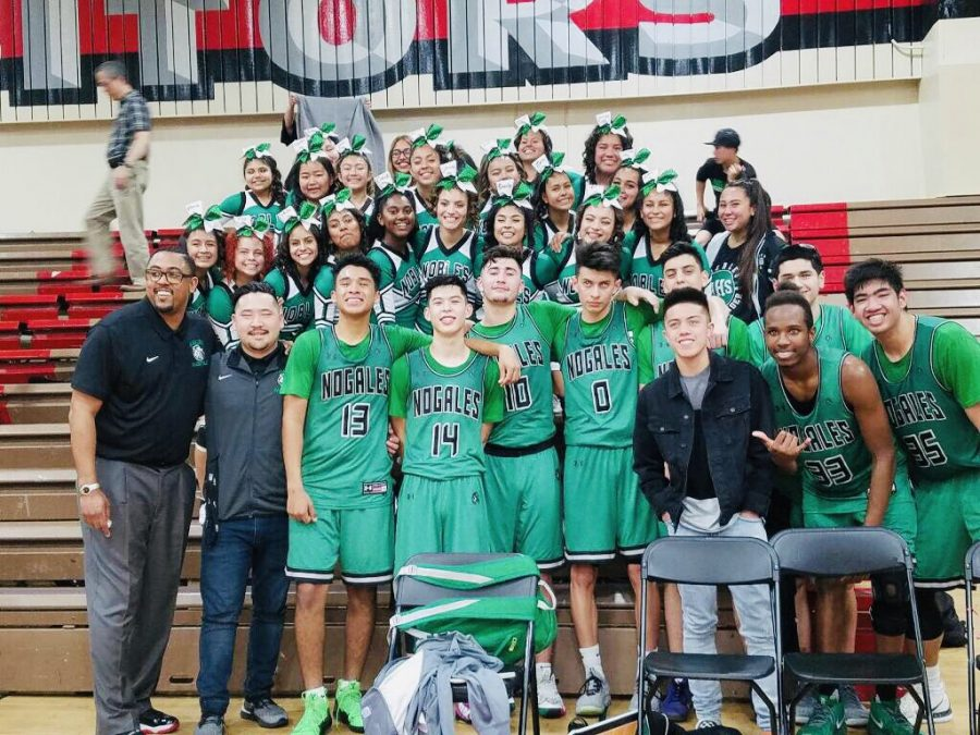 Nogales%E2%80%99+Varsity+boys+basketball+defeat+Sierra+High+in+a+21-point+lead